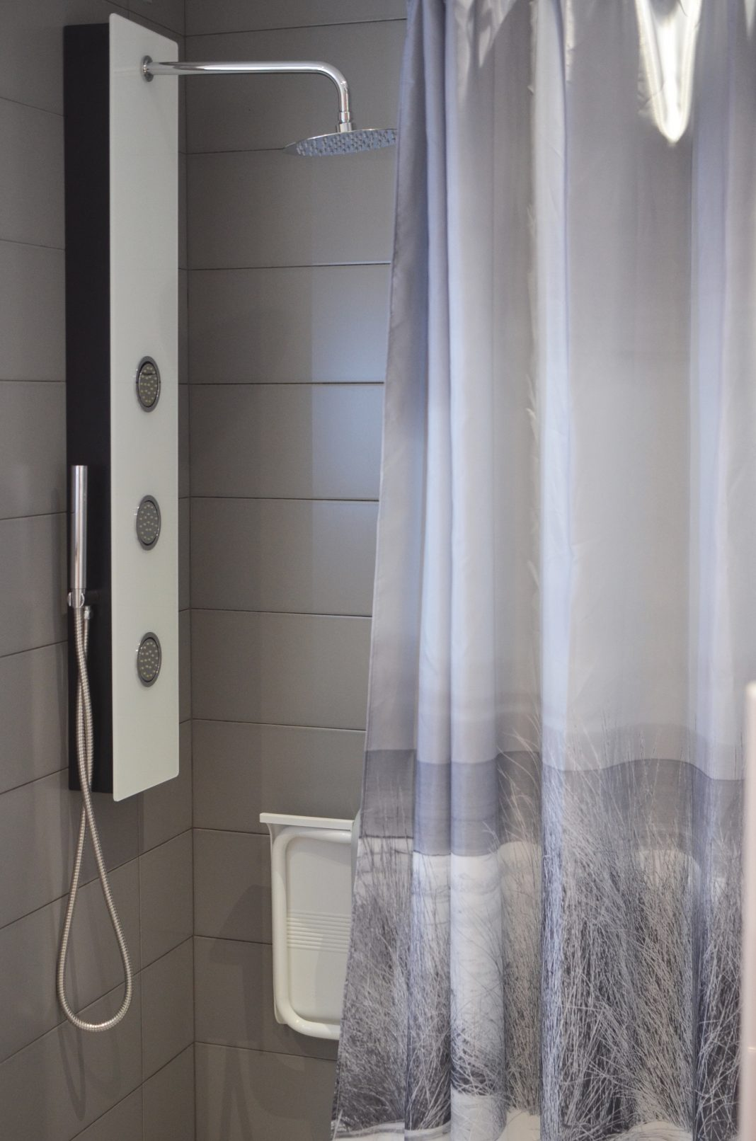 standart shower curtain size